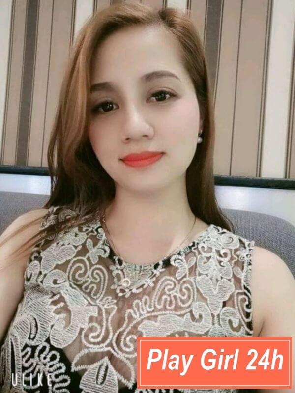 chị Linh Lâm máy bay Bình Thạnh